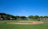 Disfrute de nuestro campo de golf y los bellos jardines